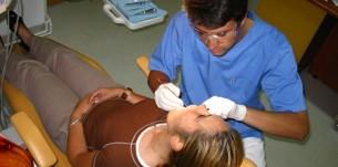 Chirurgie dentara - Dr. Adrian Seceleanu